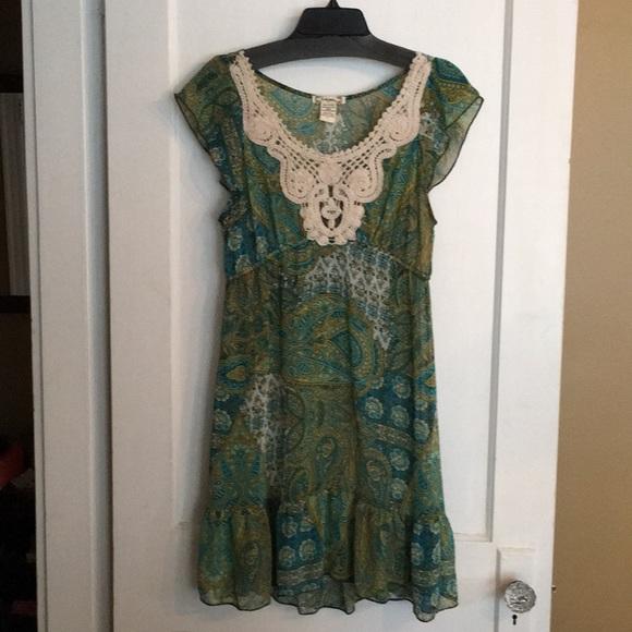 6 degrees Dresses & Skirts - 6Degrees sheer chiffon cap sleeved mini dress